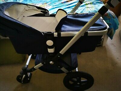 Bugaboo Cameleon 3, Ex display, Carry cot included- Dark navy blue.