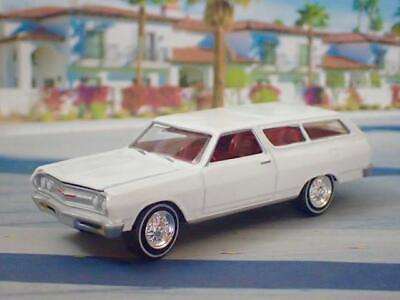 1st Gen 1964–1967 Chevrolet Chevelle V-8 Sport Wagon 1/64 Scale Limited Edit Y