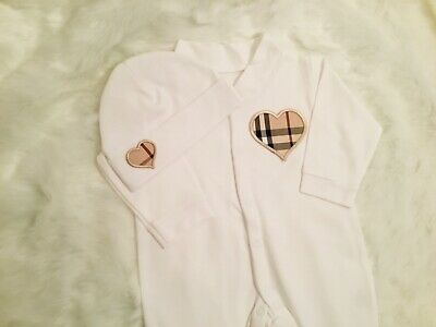 Baby-grow / Sleepsuit with matching hat. Heart design