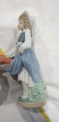 LLADRO by NAO Rare GIRL HOLDING FLOWERS IN HER SKIRT c1986 VGC