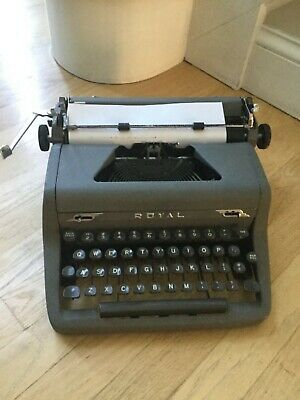 Vintage 1952 Royal Quiet DeLuxe Portable Manual  Typewriter