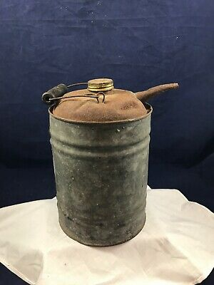 VINTAGE DECOR METAL 1 GALLON? GAS OIL KEROSENE CAN Wire Wood Handle Tiny Spout.
