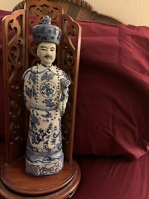 Antique/Vintage Blue White Chinese Man Figurine With Impressed Marks On Base