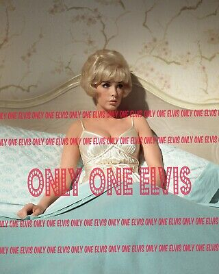 """1968 SEXY Pin-Up Actress STELLA STEVENS """"ON THE MOVIE SET""""  PHOTO 003"""