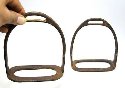 Old Primitive Vintage Horse Feet Pedal Stirrup Pair Farm House Décor. G42-166 UK
