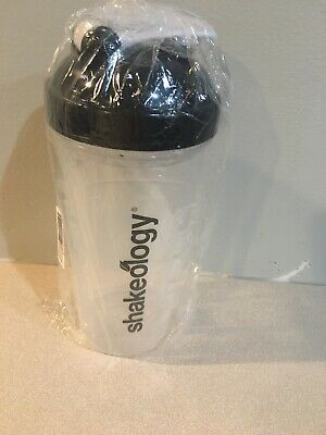 New Shakeology BPA Free Premium Blender Shaker 25 oz Clear Cup Bottle NIP