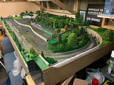 00 Gauge Large Model Railway Layout - Collection Needed / 17ft Long