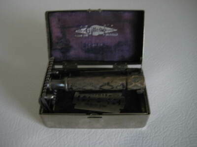 Vintage Gillette Bostonian Razor Double Edge Safety Silver Numbered Case
