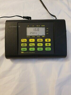 IQ Scientific Instruments IQ240 Potable PH Meter w/ Thermometer sr