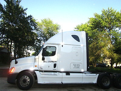 Semi Truck NO Reserve Going out of business