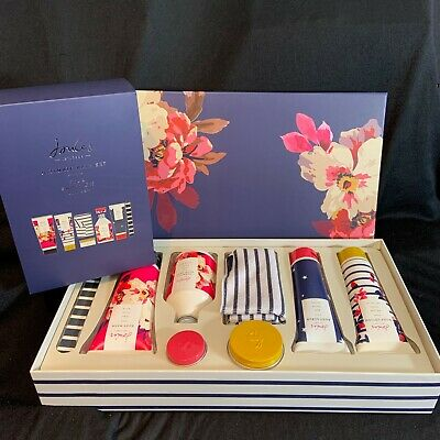 Joules Gift Set Ultimate Bath Pamper Box Wash Lotion Scrub Butter Emery Cloth