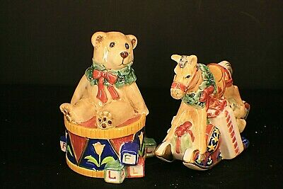 Fitz & Floyd Classics Old Fashioned Christmas Salt & Pepper Shakers c5