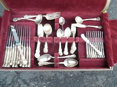 TOWLE OLD MASTER STERLING SILVER FLATWARE 12  PLACE SETTINGS  *81 pieces*