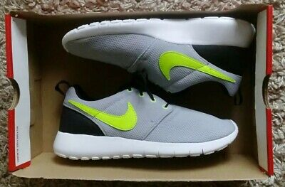 Nike Roshe One New Girls Womens Trainers Sports Shoes Fitness Size Uk 5