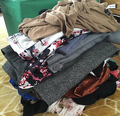Large Bundle (21) Ladies Items Some Nwt Tops Dress Skirt Sizes 6-8 Small X Small