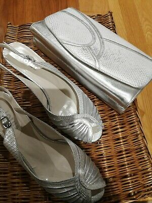 Ladies Sandals, size 4  And Matching Handbag