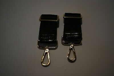 Tiba and Marl stroller clips in gold