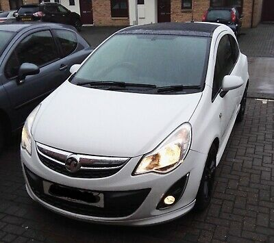 vauxhall corsa 1.2 limited edition white 2011