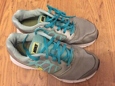 Nike girls trainers size 4 grey and green