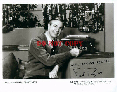 Fred Rogers 8x10 autographed Photo signed Picture Mister Rogers reprint