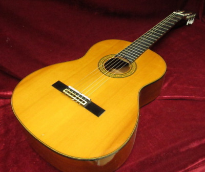 Yamaha C-180 Natural Acoustic Guitar Made in Japan