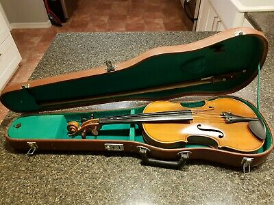 Used Lark Violin 4/4, case, bow, and resin.