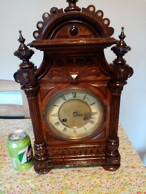 mantel  clock VINTAGE  STRIKING MANTLE CLOCK KEY AND  PENDULUM