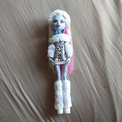 Monster High Abbey Bominable Wave 1 Basic Complete