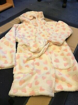 Girls Pink Fluffy Heart Dressing Gown Age 8-9 Years From Matalan Good condition