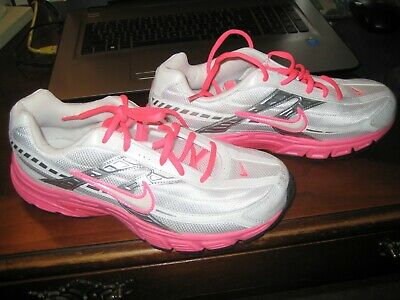 WOMANS NIKE SHOES SNEAKERS; SIZE 8.5; INITIATOR; WHITEPINK