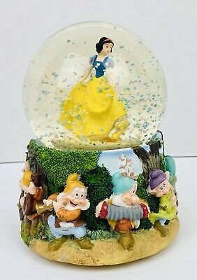 Disney/Kcare Snow White and the 7 Dwarfs Musical Snow Globe
