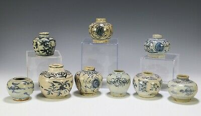 Lot of 9 Antique Chinese Blue and White Porcelain Jars Jarlets - Ming Dynasty