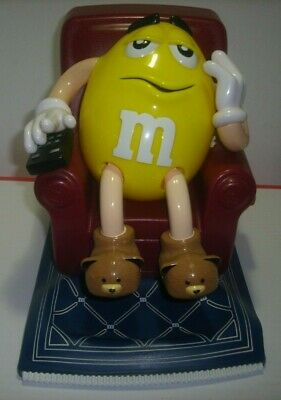 M&M Lazy Boy Recliner Yellow Peanut Blue Rug Candy Dispenser 1999 Mars