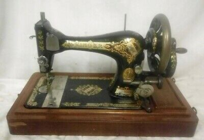 Antique 28K Singer Manual Hand Crank Sewing Machine Dated 1902 + Case