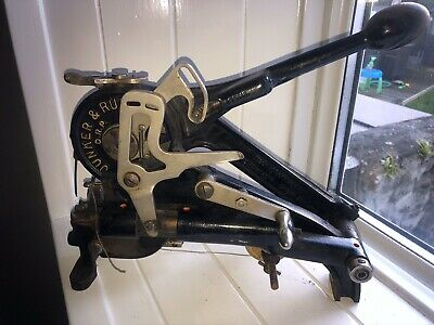 Junker And Ruh Leather Hand Stitcher Sewing Machine