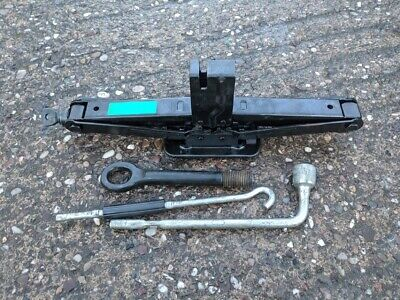 Hyundai Santa Fe Genuine Lifting Jack & Wheel Brace