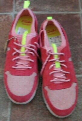 New Clarks Girls Trigenic Leather Trainers  Pink size 3.5 G