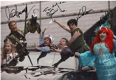 David Hasselhoff signed Peter Pan In Glasgow with 5 other signatures