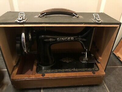 OLD VINTAGE SINGER SEWING MACHINE in case ,Hand Crank needs TLC read description