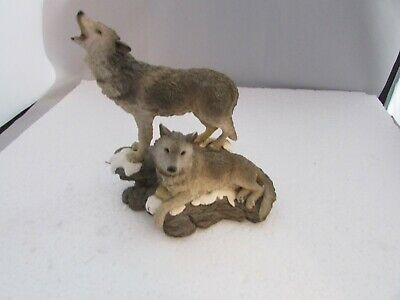 """Wolf Wolves Resin Figurine - Two Wolves One Seated 7"""" Across 7"""" Tall Mint"""