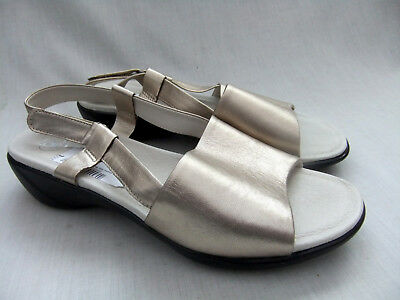 NEW CLARKS K OPEN DAY WOMENS METALLIC LEATHER SANDALS SIZE 7 41 EXTRA WIDE FIT