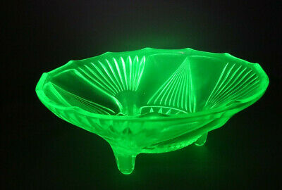Vintage Art Deco Bohemian Fruits Bowl Yellow Uranium Vaseline Cut Glass 9""