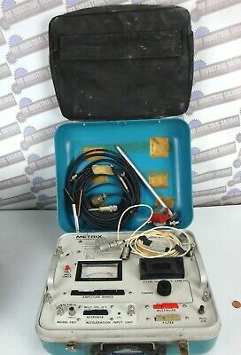 METRIX Vibration Analyzer Model 5282 with Accessories - (Needs Batteries)