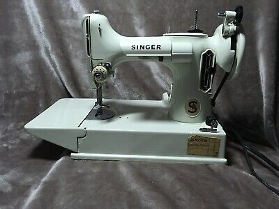 SINGER 221K WHITE FEATHERWEIGHT PORTABLE SEWING Machine