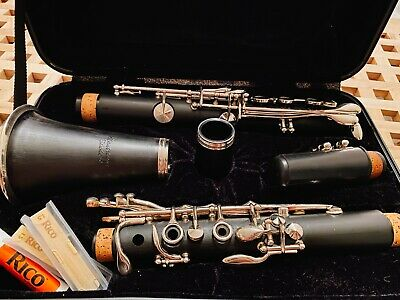 Montreux Clarinet with Hard Carry Case