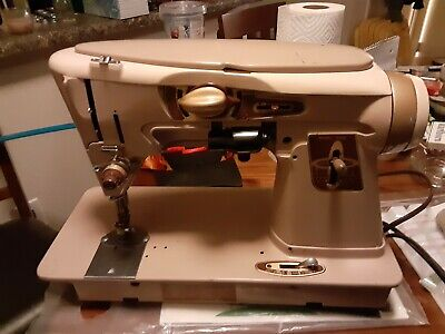 Singer Sewing machine 1961 Model 500a