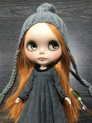 New Blythe Doll Size Knitted Grey Ribbed Beanie - Free Postage