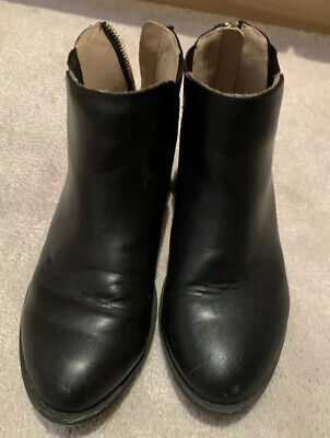 River Island Trendy Black Leather Girls Boots With Suede Detail Size 1
