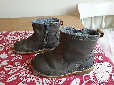 Clarks grey girls size 6.5 Boots