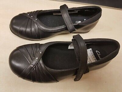 Clarks Girls School Shoes Movello 8 Inf Black